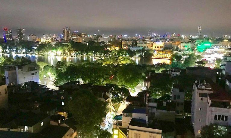 hotel le benz new delhi